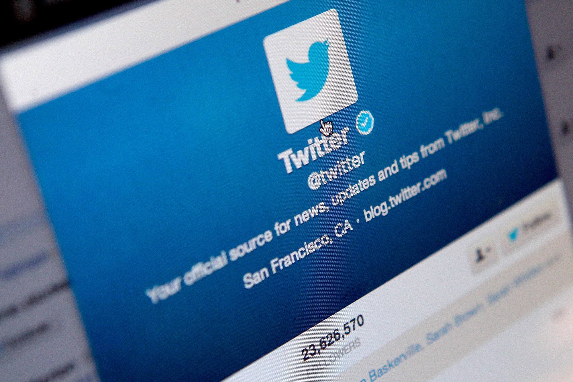 Photo of Twitter has finally removed the 140-character limit for Direct Messages