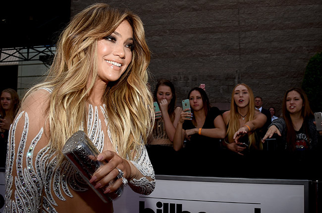 Photo of Jennifer Lopez to host + perform at 2015 American Music Awards