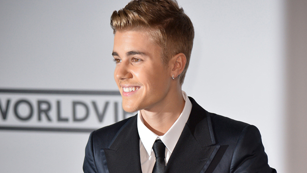 Photo of Justin Bieber teases new song 'Sorry' with short acoustic clip