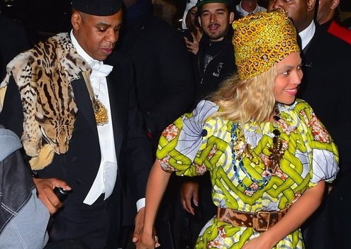 Photo of Jay Z + Beyonce + Blue Ivy rock 'Coming to America' Halloween costumes