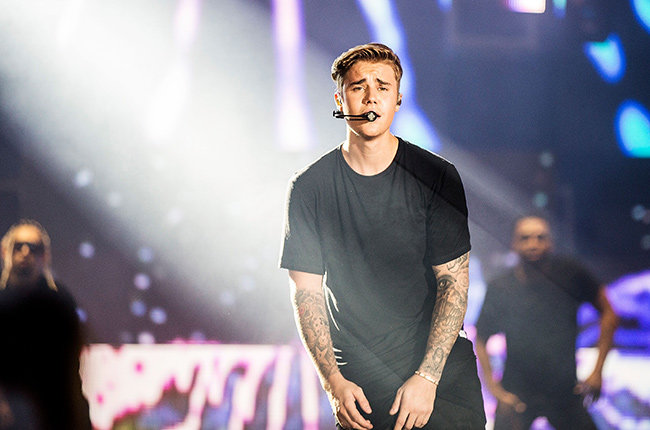 Photo of Justin Bieber releases 'I'll Show You' music video