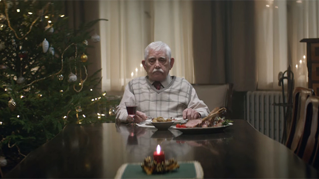Photo of This depressing German Christmas commercial will leave you in tears