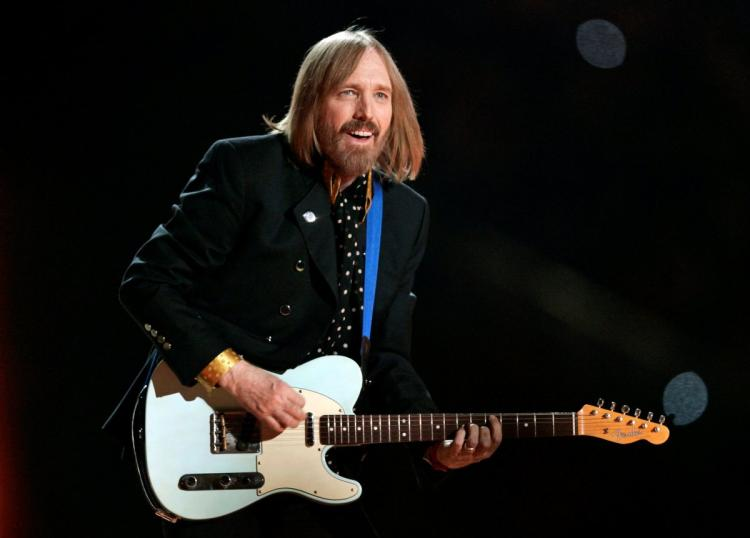 Photo of Tom Petty passed away shortly after being rushed to hospital from cardiac arrest