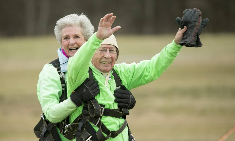 Photo of Man breaks Guinness world record for oldest tandem skydive and it's not his first time