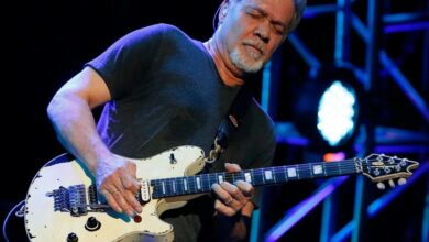 Photo of BREAKING: Eddie Van Halen dies of cancer at age 65